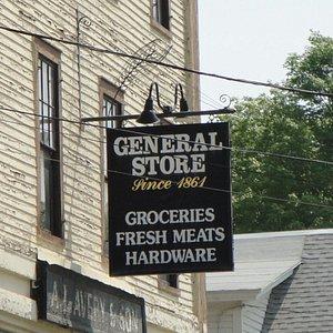 Avery Store