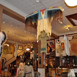 inside the Native Gallery (1)