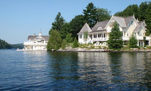 "Una ""boat house"" del lago Rosseau"