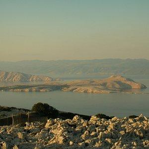 Blick von Rab auf Goli Otok