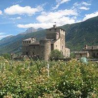 Il castello dalla strada