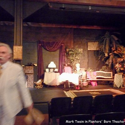 "A bit of ""Mark Twain"" at Planter's Theater"