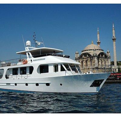 Private Luxury Boat on Bosphorus 19