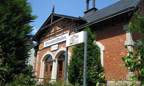 Standseilbahn, Bergstation