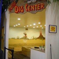 Dig Center