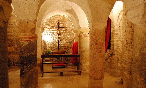 Chiesa San Michele Arcangelo: la cripta.