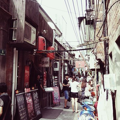 A look at the little alleyways