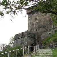 parte finale della salita al castello