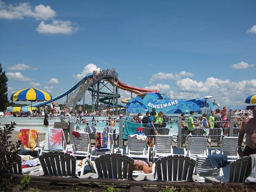Pool and slides at Bingemans