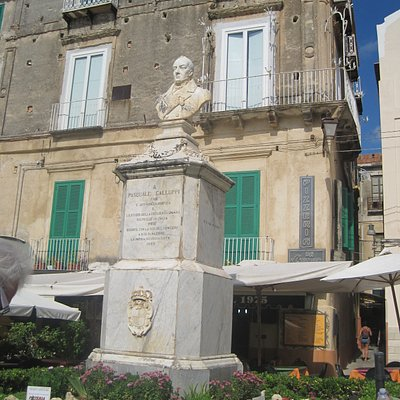 monument in the piazza