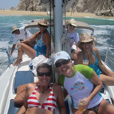 Cabo San Lucas private sailing trip with Cabo Sails