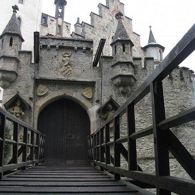 Drawbridge & turrets