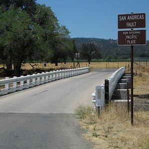 Brücke über den San Andreas Graben