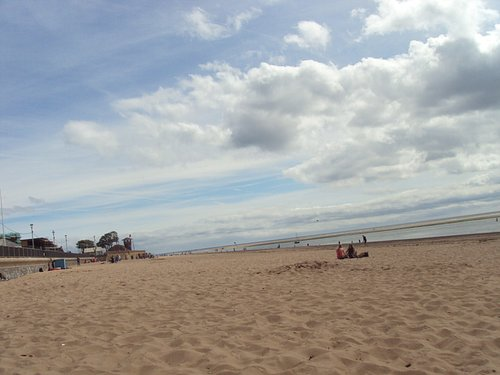 Exmouth beach - looking East