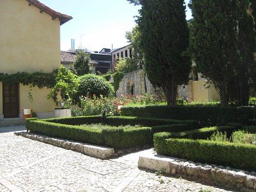 Casa de Zorrilla, jardín