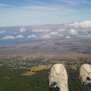 my feet over maui