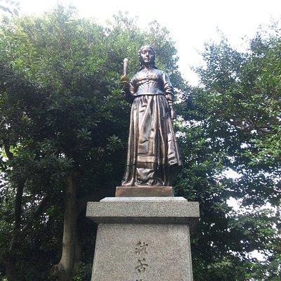 ナイチンゲールの像です