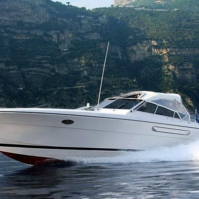 Capritime's exclusive speedboat charters & transfers
