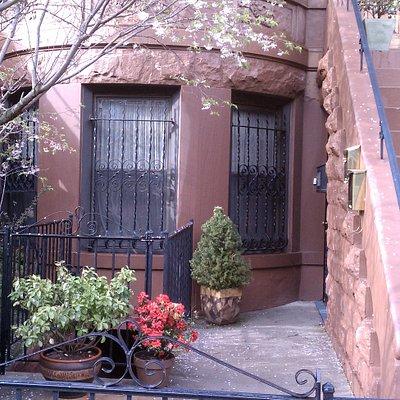 calm beauty brooklyn spa entrance