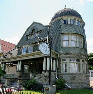 The Harlow E. Bundy House