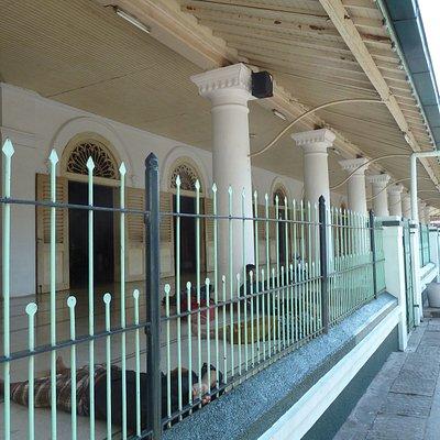 Die Ampel-Moschee von außen