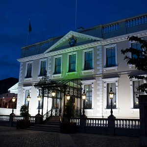 Mansion House by night