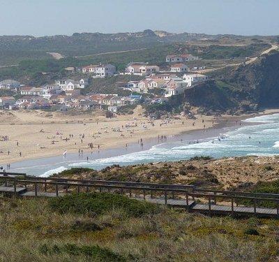 Monte Clérigo Beach
