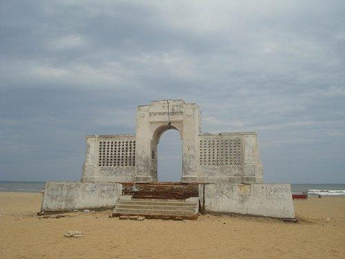 Elliots beach memorial arch at Besant Nagar