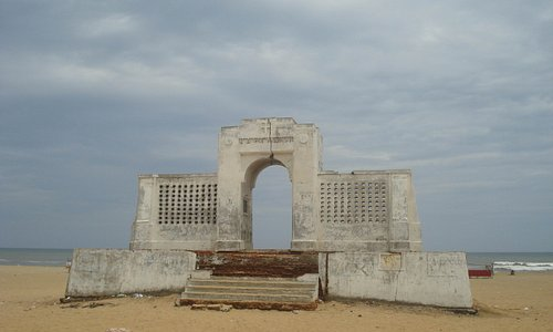 Elliots beach memorial arch at Besant Nagar