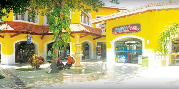 Plaza Playacar