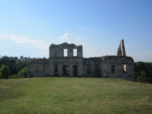 Palace Ruins at Skala Podilska June 2011