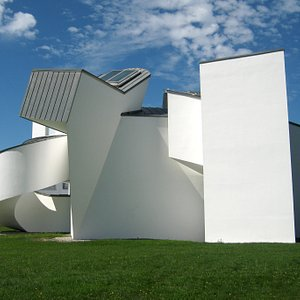 Building by Frank Gehry