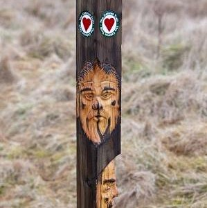 Hand-carved waymarker ©Mike Bell