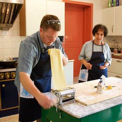 Chris making lasagna with Letizia's coaching