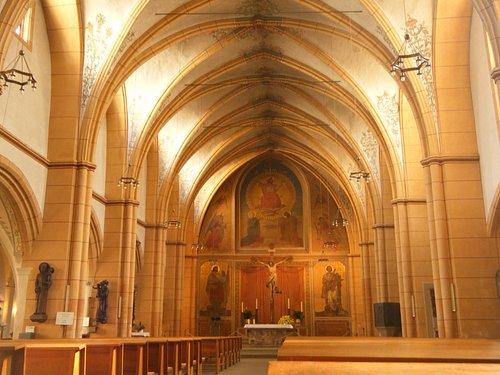 St Gangolf interior