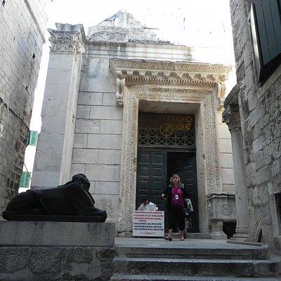 Split - Temple of Jupiter - Entrance