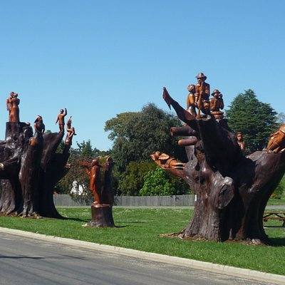 Street of Chainsaw Carvings