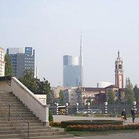 torre Garibaldi con la guglia