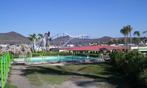 Rollercoaster & water ride