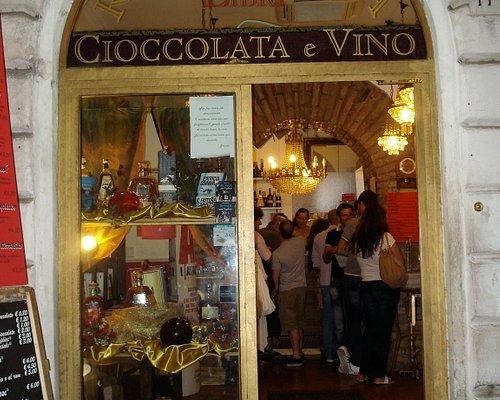 Cioccolatto e Vino from the outside