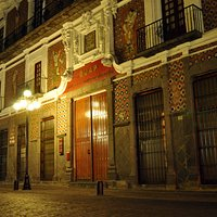fachada de Casa de los Muñecos