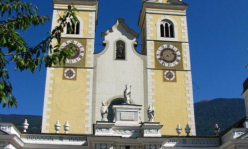 Der Dom ist das Wahrzeichen der Stadt Brixen.