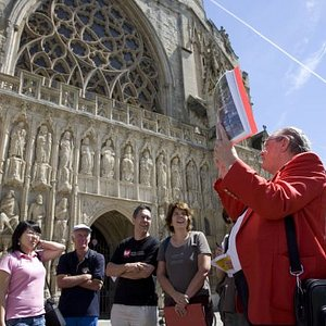 Red Coat Guided Tour - Exeter Cathedral