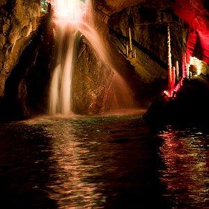 Son et lumière sur la rivière souterraine