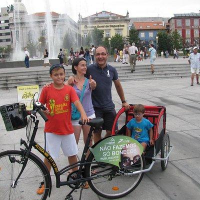 All family Go By Bike