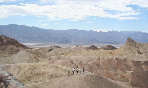 Die Erhebungen sehen wie Dünen aus.