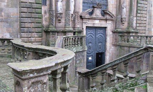 facciata esterna e scalone