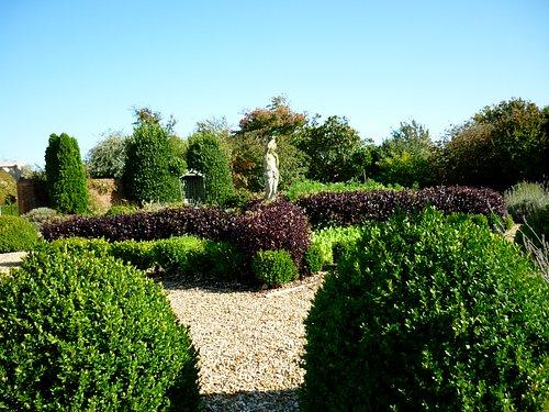 Braxton Gardens sneeky peek on an early start in summer!