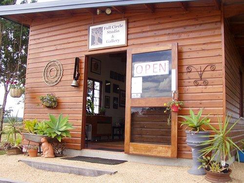 Welcome to Full Circle Studio and Gallery in beautiful Yungaburra