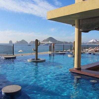 pool bar overlooking ocean